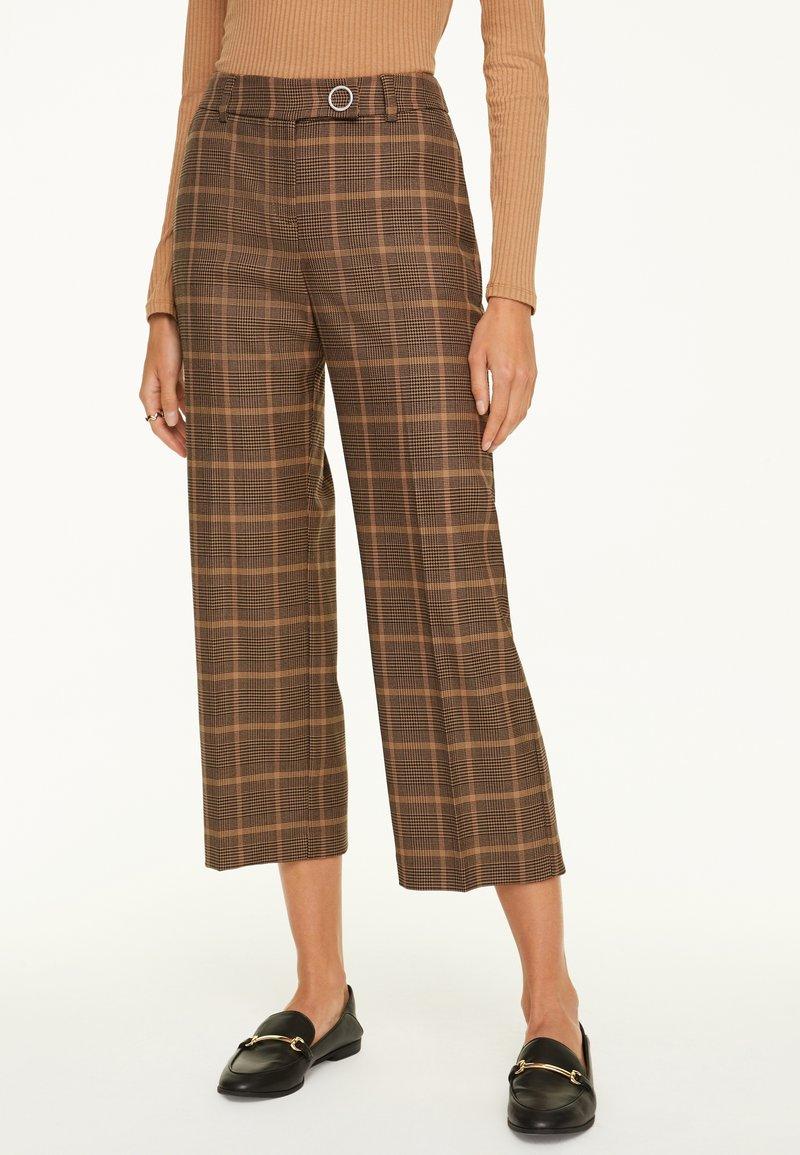 comma - Trousers - black woven check