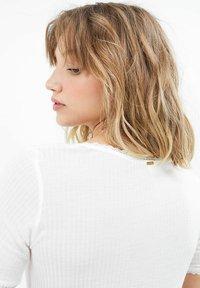 I.Code by IKKS - T-shirt print - blanc casse - 4
