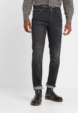 11MWZ - Slim fit -farkut - black