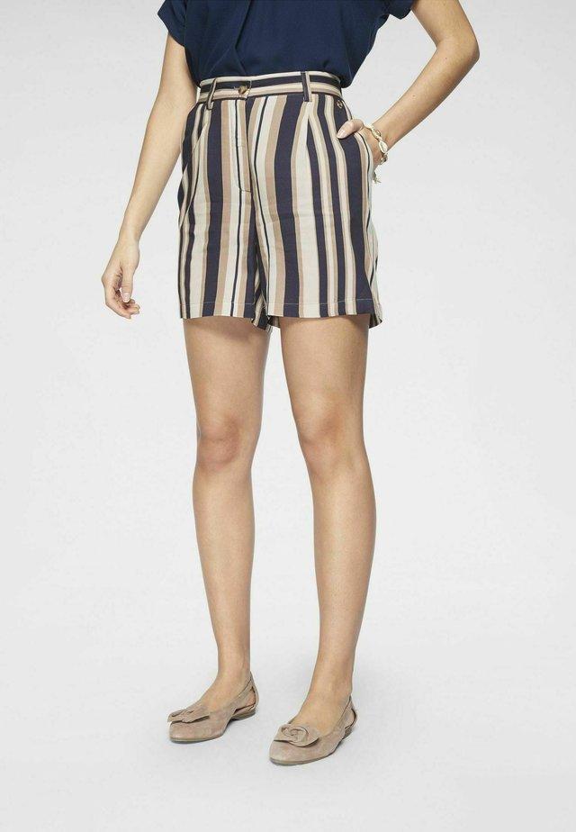 Shorts - streifen