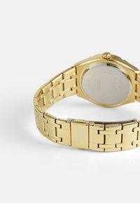 Guess - LADIES DRESS - Klokke - gold-coloured - 1