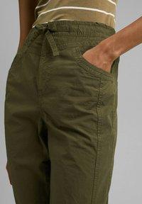 edc by Esprit - TWIST  - Trousers - khaki green - 3