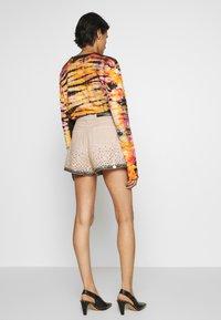 Alberta Ferretti - Denim shorts - beige - 2