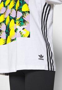 adidas Originals - GRAPHIC TEE - Print T-shirt - white - 4