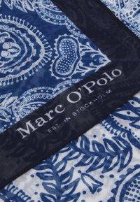 Marc O'Polo - BANDANA HAND PRINTED - Foulard - blue - 2