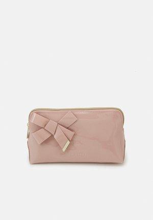 NICOLAI - Kosmetická taška - pink