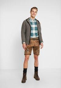 Krüger Dirndl - Pantaloni di pelle - brown - 1