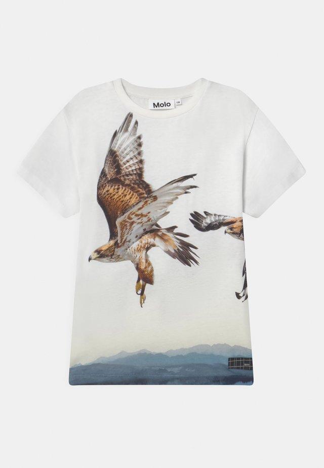 RAVENO - Print T-shirt - white