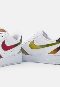 Nike Sportswear - AIR FORCE 1 '07 UNISEX - Sneakers laag - white/multicolor - 5