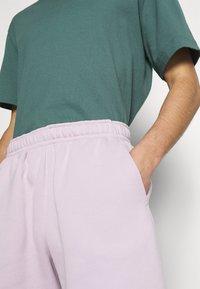Nike Sportswear - CLUB - Shorts - iced lilac - 3