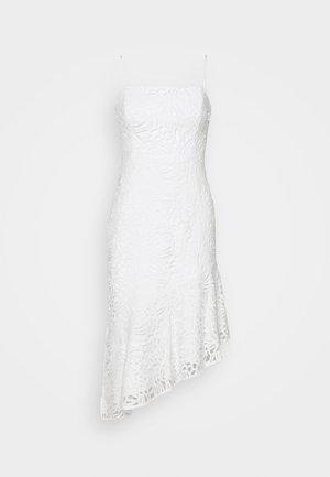 DIARA EMBROIDERED DRESS - Robe de soirée - white