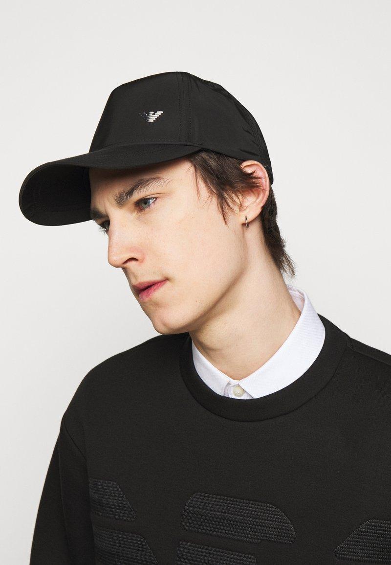 Emporio Armani - BASEBALL HAT UNISEX - Czapka z daszkiem - black