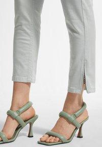 comma - Trousers - mint green - 4