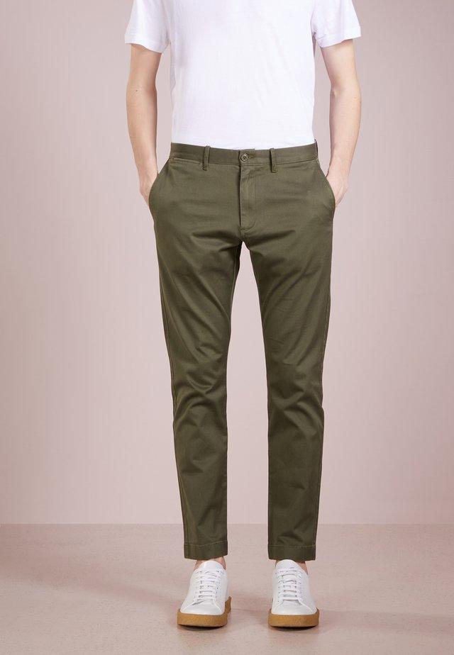 MENS PANTS - Chino - catskill green