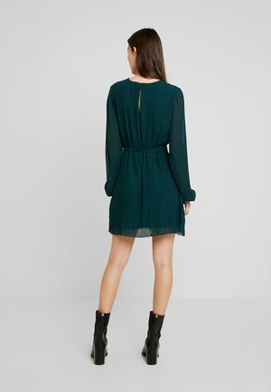BELTED STRUCTURE DRESS - Day dress - green