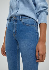 PULL&BEAR - FLARE - Bootcut jeans - dark blue - 3