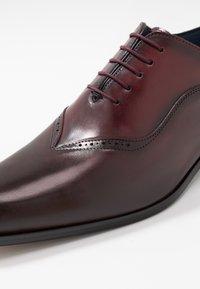 Brett & Sons - Business sko - natur cherry/rouge - 5