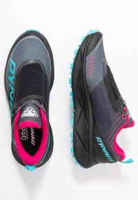 Dynafit - ULTRA 100 GTX - Zapatillas - black out/flamingo - 1