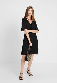 mint&berry - Shift dress - black - 2