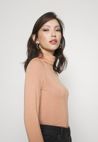 Even&Odd - Long sleeved top - camel - 4