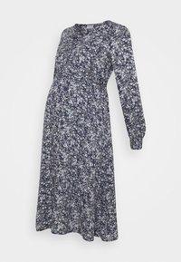 Pieces Maternity - PCMPAOLA - Denní šaty - ombre blue - 4