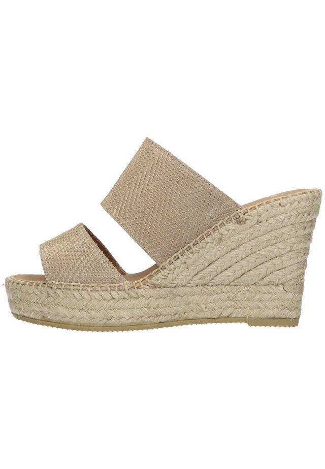 MIT KEILABSATZ - Sandalen met hoge hak - beige