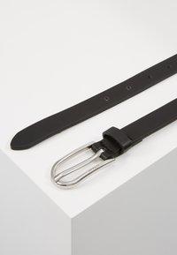 Inyati - WAIST BELT SLIM LOGO LETTERS - Belt - black - 3