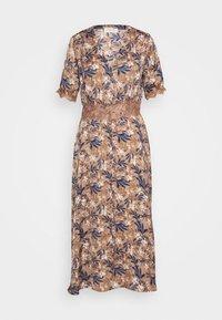 DRESS - Skjortekjole - nougat poetic