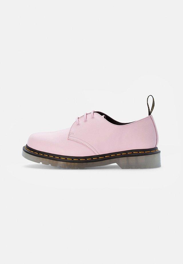 ICED - Sportieve veterschoenen - pale pink smooth
