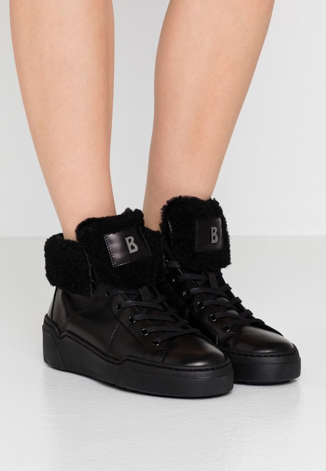 PARIS  - Sneaker high - black
