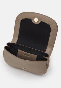 See by Chloé - Hana evenning bag - Handbag - motty grey - 4
