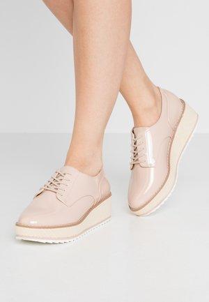 ARIA - Šněrovací boty - bone