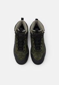 Vans - ULTRARANGE EXO MTE UNISEX - Sneakersy wysokie - supply/grape leaf - 3