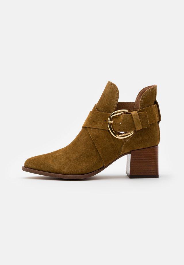 LEA - Boots à talons - khaki
