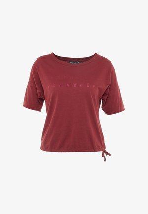 ONPTERRA OVERSIZED SHORT TEE - Print T-shirt - beet red