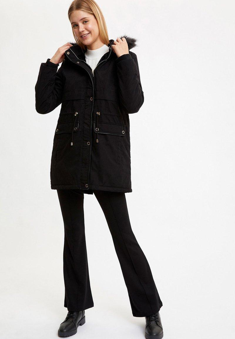 DeFacto - Short coat - black