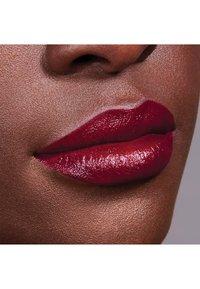 Maybelline New York - COLOR SENSATIONAL THE CREAMS - Lipstick - wine rush - 3
