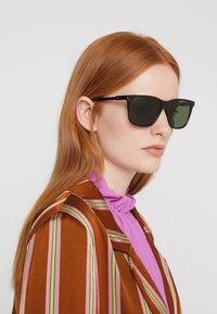 Gucci - Sluneční brýle - havana/brown - 3