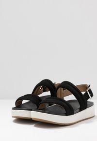 UGG - LYNNDEN - Platform sandals - black - 4