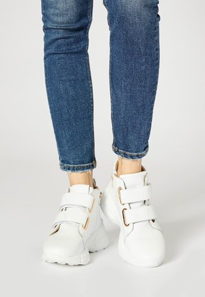 High-top trainers - blanc