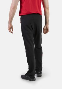 IZAS - CLOISTER - Pantalons outdoor - black/red - 2