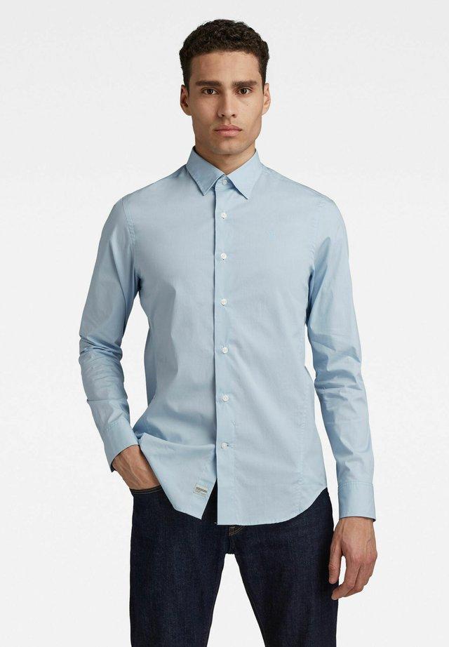 DRESSED SUPER SLIM - Zakelijk overhemd - lt wave