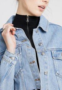 Topshop - HACKED OFF CROP - Denim jacket - blue denim - 4