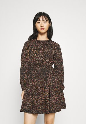 VMULLA DRESS - Day dress - tobacco brown
