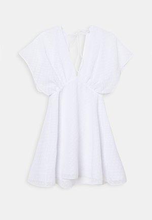 VAAL SHORT DRESS - Vapaa-ajan mekko - white