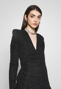 Club L London - PLUNGE SPARKLE MINI DRESS WITH THIGH SPLIT - Vestido de cóctel - black - 3