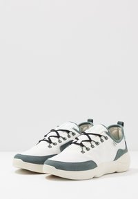 Lacoste - SUBRA IMPACT - Tenisky - offwhite/green - 2