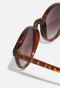 Name it - SUNGLASSES 2PACK - Sluneční brýle - woodrose/bone brown - 2