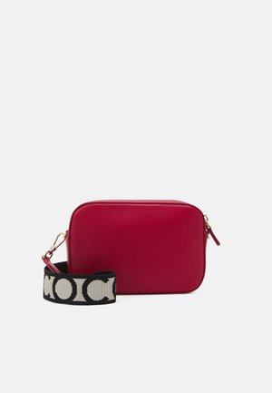 TEBE - Across body bag - ruby