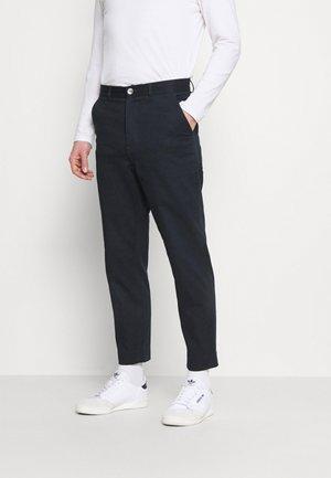 HAWTIN YOKE CROP - Spodnie materiałowe - true navy